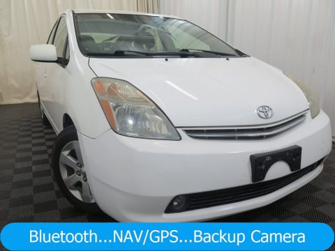 Super White Toyota Prius Hybrid.  Click to enlarge.