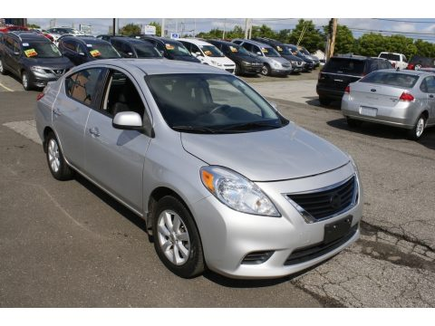 Brilliant Silver Nissan Versa 1.6 SV Sedan.  Click to enlarge.