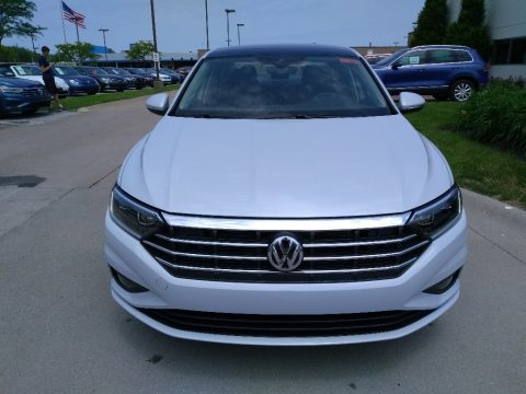 White Silver Metallic Volkswagen Jetta SEL Premium.  Click to enlarge.