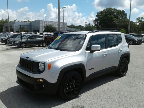 Glacier Metallic Jeep Renegade Altitude.  Click to enlarge.