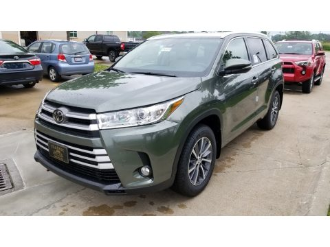 Alumina Jade Metallic Toyota Highlander XLE AWD.  Click to enlarge.