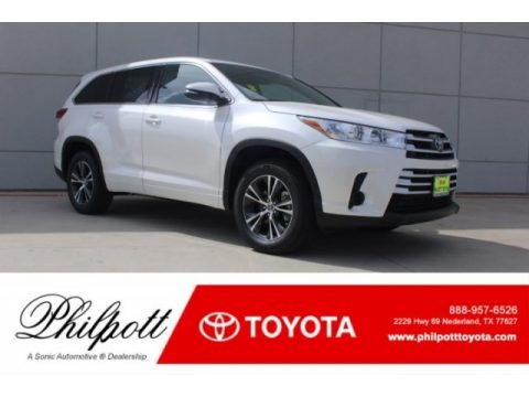 Blizzard White Pearl Toyota Highlander LE.  Click to enlarge.