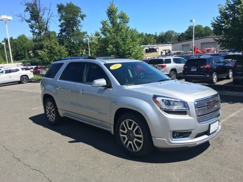 Champagne Silver Metallic GMC Acadia Denali AWD.  Click to enlarge.