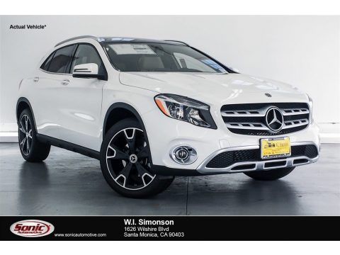 Polar White Mercedes-Benz GLA 250 4Matic.  Click to enlarge.