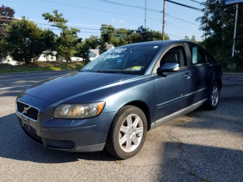 Brilliant Blue Metallic Volvo S40 2.4i.  Click to enlarge.