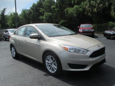 White Gold Ford Focus SE Sedan.  Click to enlarge.