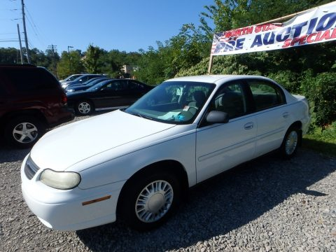 Summit White Chevrolet Malibu Sedan.  Click to enlarge.