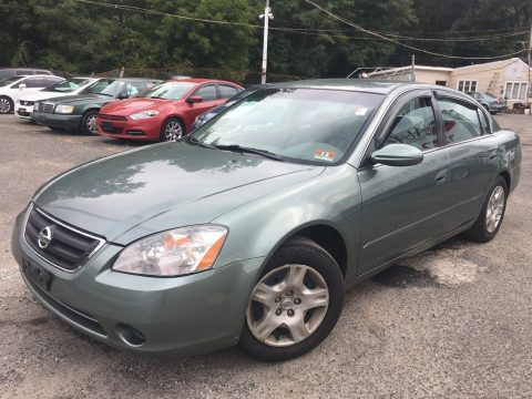 Mystic Emerald Metallic Nissan Altima 2.5 S.  Click to enlarge.