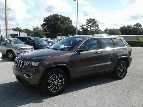 Walnut Brown Metallic Jeep Grand Cherokee Laredo.  Click to enlarge.