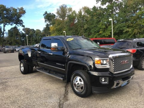 Onyx Black GMC Sierra 3500HD Denali Crew Cab 4x4.  Click to enlarge.
