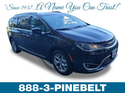 Brilliant Black Crystal Pearl Chrysler Pacifica Touring L Plus.  Click to enlarge.