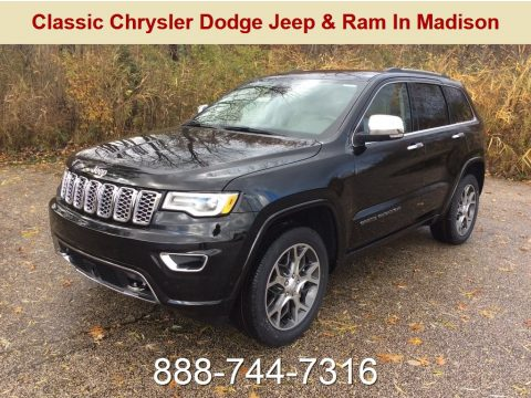 Diamond Black Crystal Pearl Jeep Grand Cherokee Overland 4x4.  Click to enlarge.