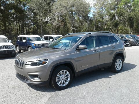 Light Brownstone Pearl Jeep Cherokee Latitude.  Click to enlarge.