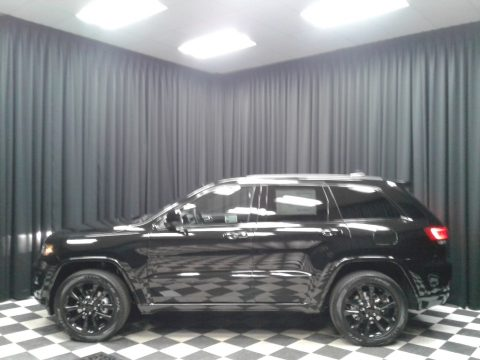 Diamond Black Crystal Pearl Jeep Grand Cherokee Altitude 4x4.  Click to enlarge.