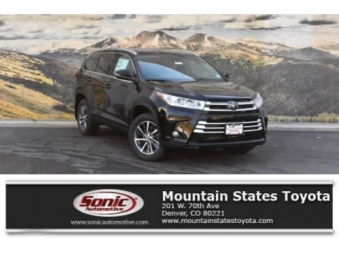Midnight Black Metallic Toyota Highlander SE AWD.  Click to enlarge.