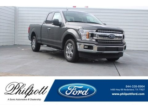 Magnetic Ford F150 XLT SuperCab.  Click to enlarge.