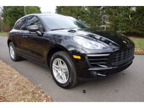 Black Porsche Macan .  Click to enlarge.