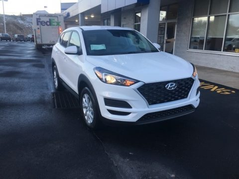 Dazzling White Hyundai Tucson SE AWD.  Click to enlarge.