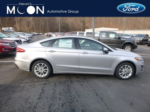 Ingot Silver Ford Fusion Hybrid SE.  Click to enlarge.