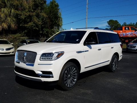 White Platinum Metallic Tri-Coat Lincoln Navigator Reserve 4x4.  Click to enlarge.
