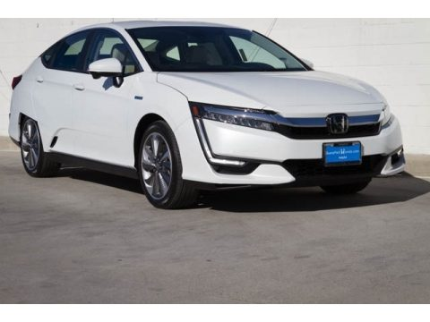 Platinum White Pearl Honda Clarity Plug In Hybrid.  Click to enlarge.