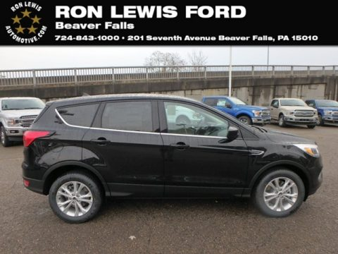 Agate Black Ford Escape SE 4WD.  Click to enlarge.