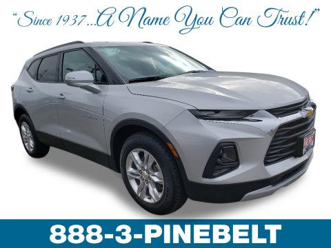 Silver Ice Metallic Chevrolet Blazer 3.6L Leather AWD.  Click to enlarge.