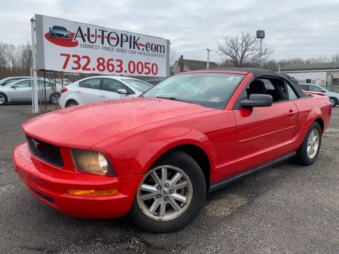 Ford Mustang V6 Deluxe Convertible