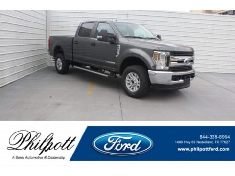 Magnetic Ford F250 Super Duty XLT Crew Cab 4x4.  Click to enlarge.