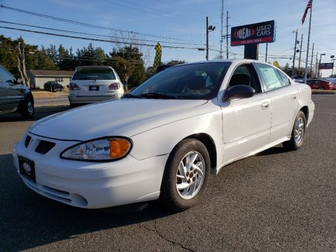 Summit White Pontiac Grand Am SE Sedan.  Click to enlarge.
