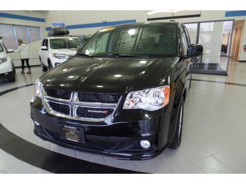 Black Onyx Crystal Pearl Dodge Grand Caravan SXT.  Click to enlarge.