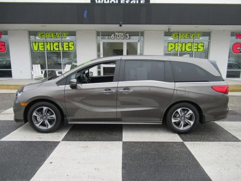 Pacific Pewter Metallic Honda Odyssey Touring.  Click to enlarge.
