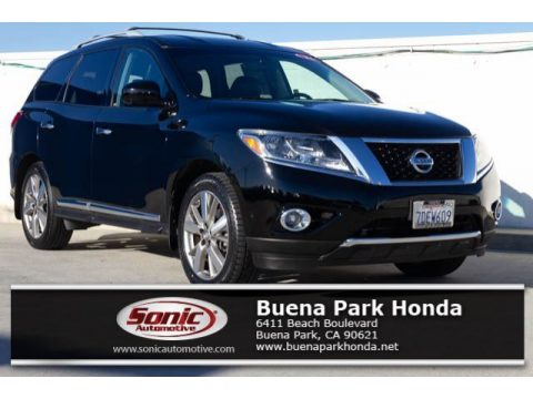 Super Black Nissan Pathfinder Platinum AWD.  Click to enlarge.
