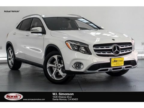 Polar White Mercedes-Benz GLA 250.  Click to enlarge.