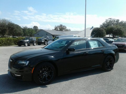 Gloss Black Chrysler 300 S.  Click to enlarge.