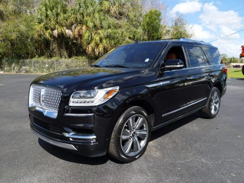 Infinite Black Metallic Lincoln Navigator Reserve 4x4.  Click to enlarge.