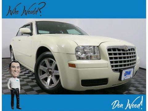 Stone White Chrysler 300 .  Click to enlarge.