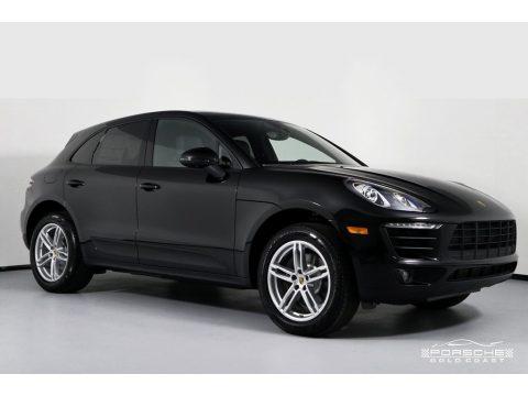 Black Porsche Macan .  Click to enlarge.