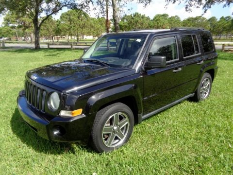 Brilliant Black Crystal Pearl Jeep Patriot Sport 4x4.  Click to enlarge.