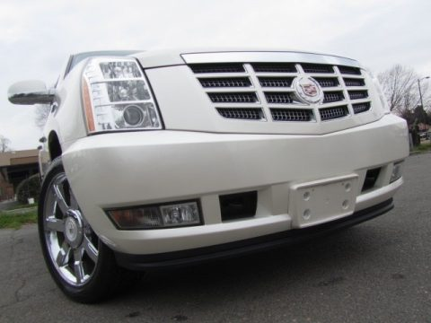 White Diamond Tricoat Cadillac Escalade Luxury AWD.  Click to enlarge.