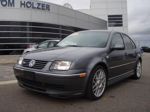 Platinum Grey Metallic 2005 Volkswagen Jetta GLI Sedan with Black interior