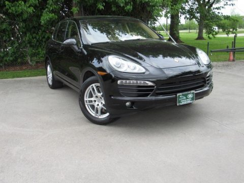 Black Porsche Cayenne .  Click to enlarge.