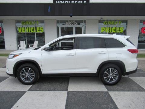 Blizzard Pearl White Toyota Highlander XLE.  Click to enlarge.