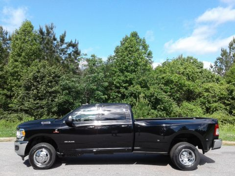 Diamond Black Crystal Pearl Ram 3500 Big Horn Crew Cab 4x4.  Click to enlarge.