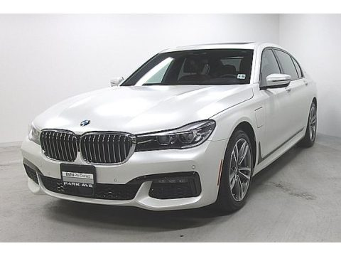 Alpine White BMW 7 Series 740e iPerformance xDrive Sedan.  Click to enlarge.