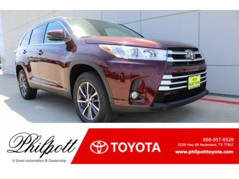 Ooh La La Rouge Mica Toyota Highlander XLE.  Click to enlarge.