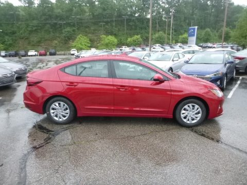 Scarlet Red Pearl Hyundai Elantra SE.  Click to enlarge.