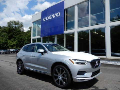Bright Silver Metallic Volvo XC60 T6 AWD.  Click to enlarge.