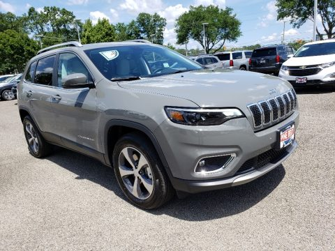 Sting-Gray Jeep Cherokee Limited 4x4.  Click to enlarge.
