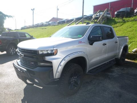 Silver Ice Metallic Chevrolet Silverado 1500 LT Z71 Trail Boss Crew Cab 4WD.  Click to enlarge.